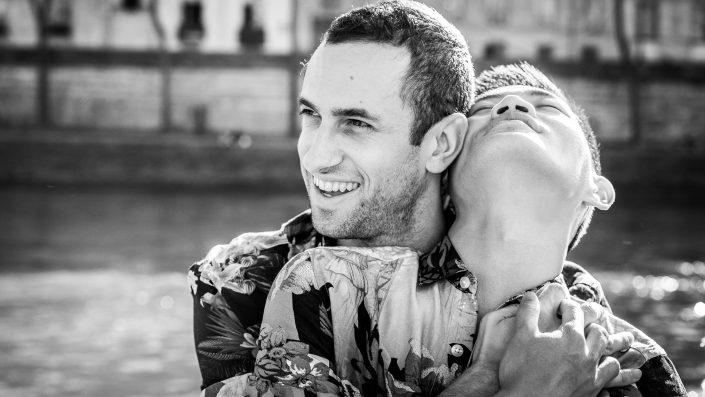portrait paris photographe highwire seine gay couple