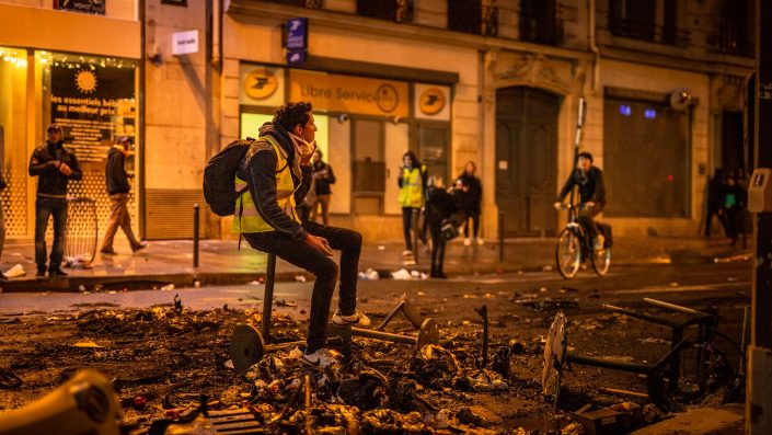 gilets jaunes-paris-manifestation-macron-violences-émeutes-guillaume galmiche-Highwire Photography